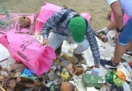 Environmental remediation mingas in Santa Marianita beach