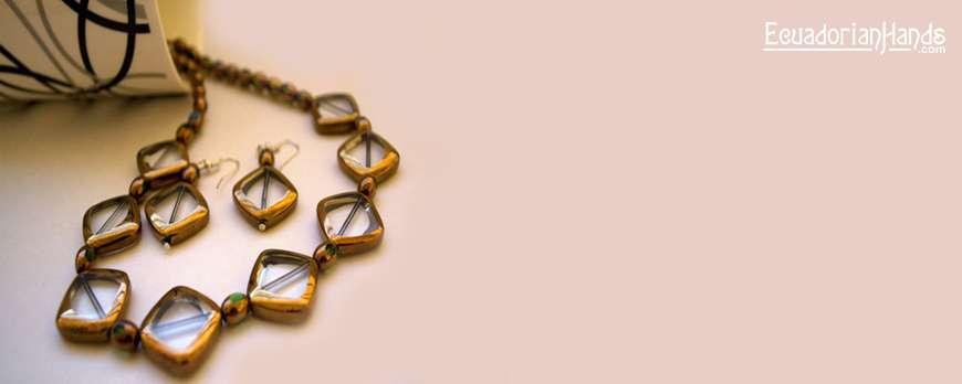 Artwork by Divya Sreekumar – Jewelry Making Contest April 2011
